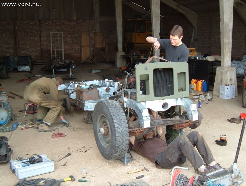 Changing A Land Rover Chassis In A Weekend