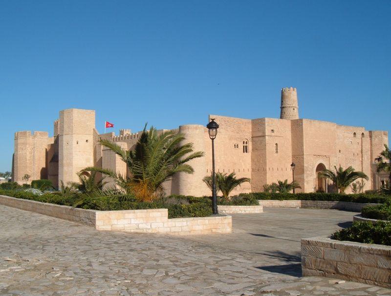 Voiture a vendre a monastir maison avendre a monastir for Acheter une maison en tunisie